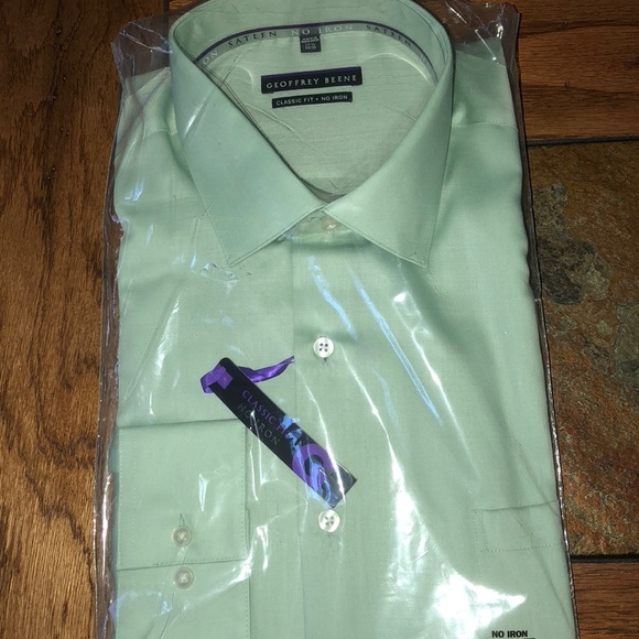 78f52247ec2 💕Geoffrey Beene Classic fit no iron dress shirt